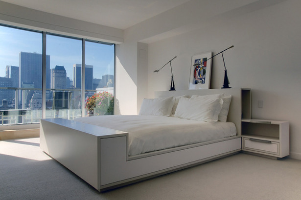 Park Deux Master Bedroom / Custom Sleigh Bed. Photo: T.G. Olcott