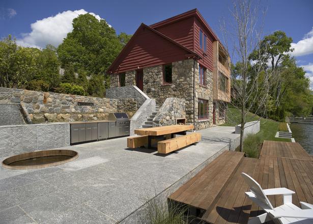 CONNECTICUT LAKE HOUSE – House & terrace