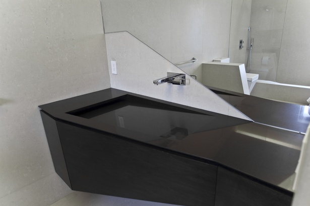 Custom designed cabintery and integrated sink (photo: Arshia Mahmoodi)