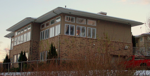 CLUBHOUSE - REAR LEFT CORNER VIEW