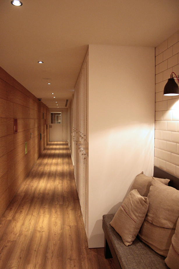 Corridor 01