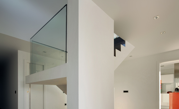 AQSO arquitectos office. Fragmented house. Staircase