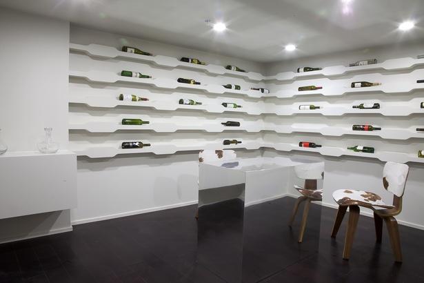 Wine room (photo: Arshia Mahmoodi)