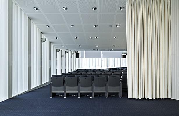 Auditorium 03