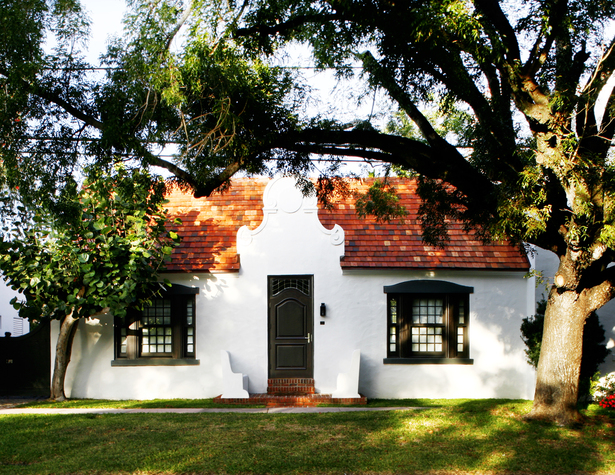 Front Elevation, Cape Dutch House, Photo by Ariela Grossman