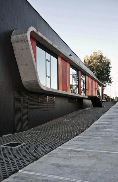 Dance School Oleiros.(A Corua, Spain) NAOS ARCHITECTURE