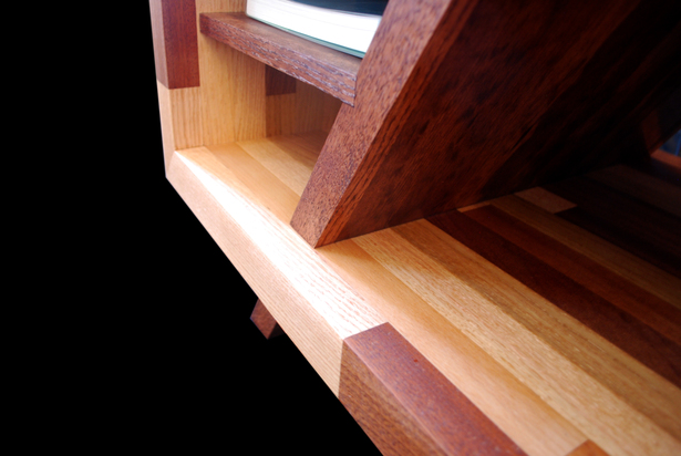 Shelf / Leg Detail