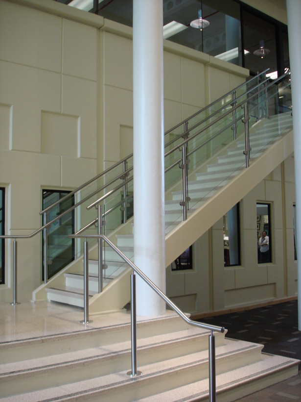 Atrium connecting both buildings