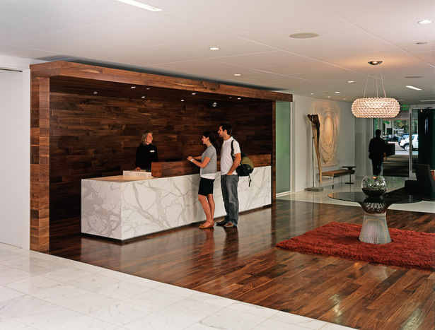 The reception desk at the Hotel Modera.