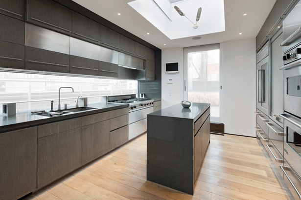 Midtown Minimal Kitchen. Photo: Evan Jospeh