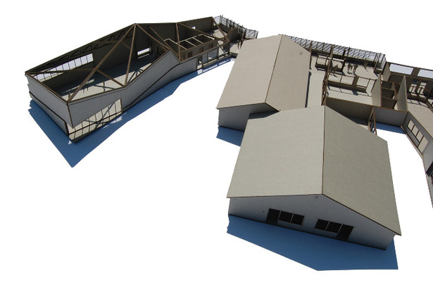 Model with removable roof