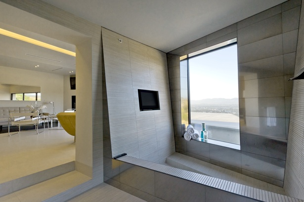 View of integrated master bathroom tub (photo: Imeh Akpanudosen)