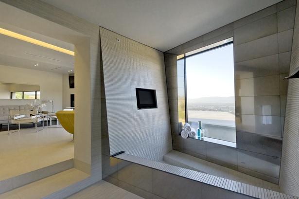 View of integrated master bathroom tub (photo: Imeh Akpanudosen)