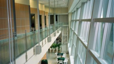 Main walkway straddling entire Clinical Services wing.