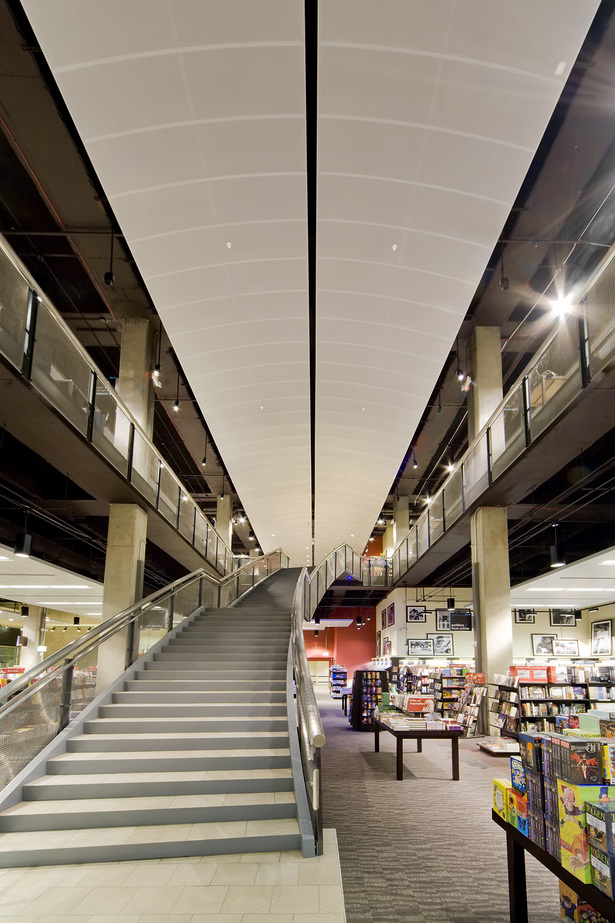 Houston Pavilions Books-A-Million Grand Stair Case