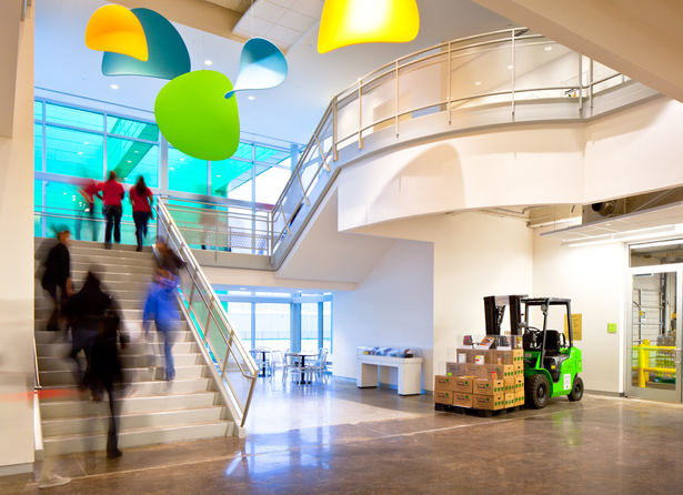 houston food bank Teaming up with tellepsen builders, pieper helped renovate the 30-year-old  houston food bank to triple its distribution capacity the 308,000 sq ft facility is .