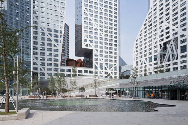 Architecture Merit Award Winner: Sliced Porosity Block - CapitaLand Raffles City in Chengdu, China by Steven Holl Architects (Image Credit: © Iwan Baan)