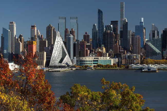 VIA 57 West. Designers: BIG - Bjarke Ingels Group​. Photo: Nic Lehoux.