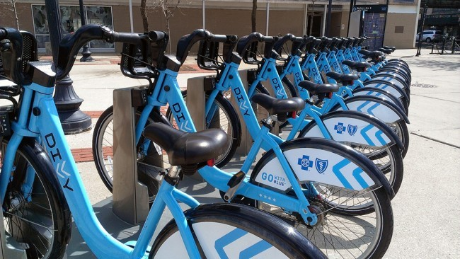 Divvy bike share in Chicago | Photo via Charles Carper