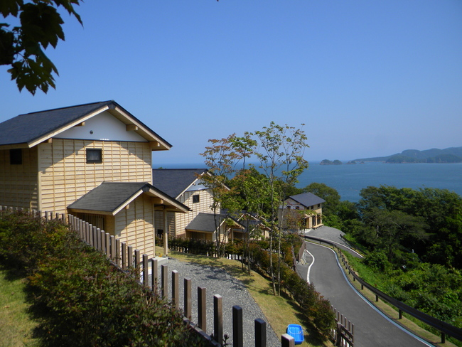Shirahama Housing3 - Rias no Mori + Kogakuin University