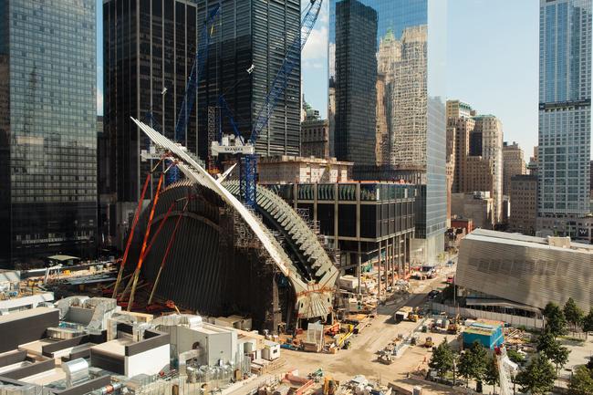 Santiago Calatrava's transportation hub under construction. (Image courtesy Silverstein Properties, via archpaper.com)