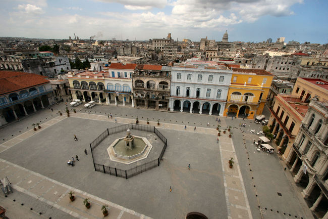 Old Square in Havana. Image via wikimedia.