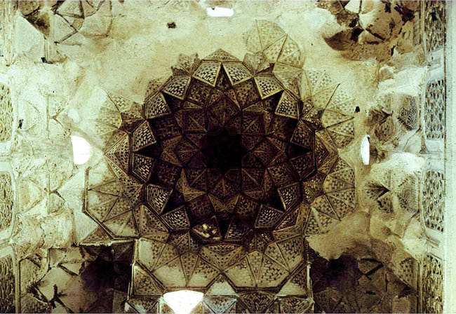 honeycomb design of the vaulted ceiling in shrine of Imam Awn al-Din, in Mosul photo by Yasser Tabbaa