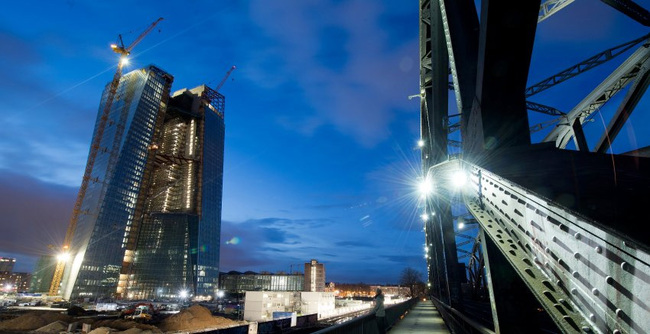 Once again, a major German construction project is spinning out of control -- like the new airport in Berlin and Hamburg's Elbphilharmonie concert hall. And, once again, the owner of the property, a public body, is trying to blame the delays and cost overruns on external factors. (DPA)