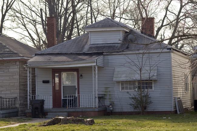The childhood home of boxing legend Muhammad Ali, currently in a state of disrepair, will undergo an extensive renovation. Credit: AP via Wall Street Journal