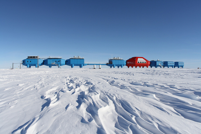 Halley VI Antarctic Research Station, Antarctica by Hugh Broughton Architects (Photo: BAS)