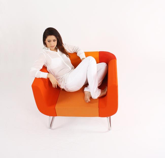 EOS-ARIAS Fronttop, Sara Arias, by Frida Garibay