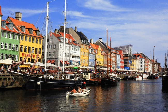 The city of Copenhagen has banned investments in fossil fuels. Image via pixabay.com