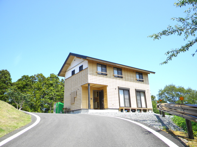 Shirahama Housing1 - Rias no Mori + Kogakuin University