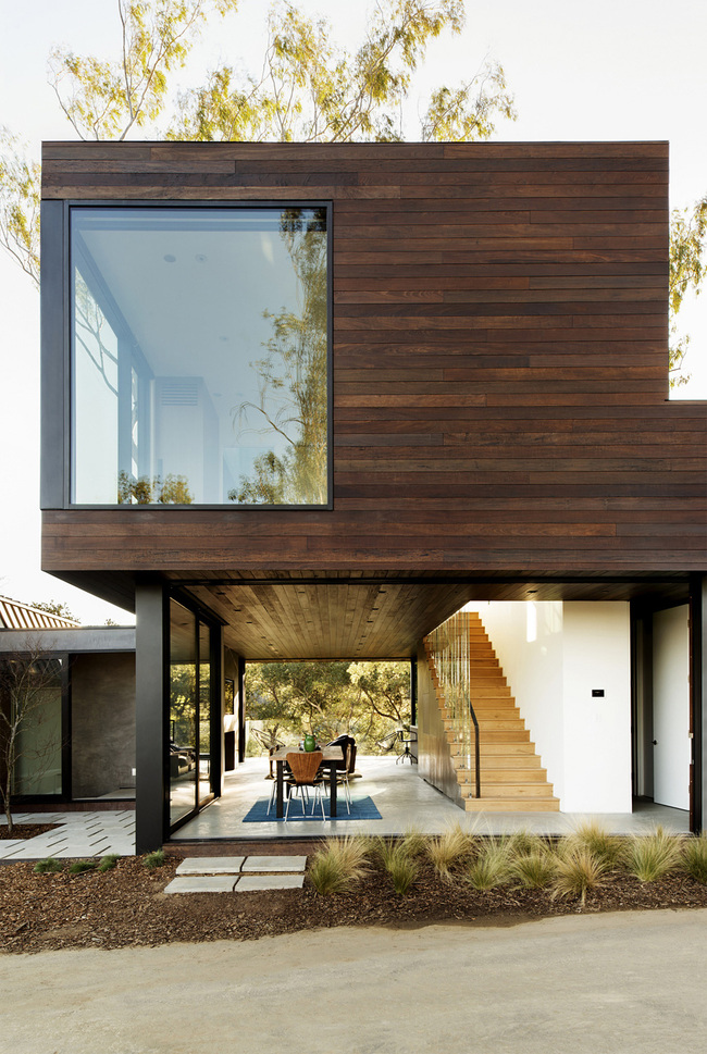 Oak Pass Guesthouse in Los Angeles, CA by Walker Workshop
