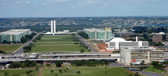 Ministries Esplanade with several of Niemeyer's buildings: the National Congress, the Cathedral, the National Museum and the National Library, Brasilia, D.F., 2006, Braslia