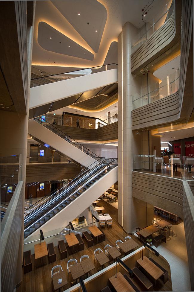 Shortlisted in Shopping Centers: Hysan Place by Kohn Pederson Fox Associates (Hong Kong)
