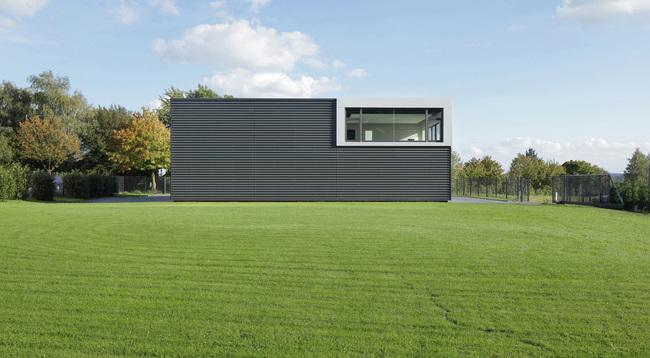 Operations Building in Werther, Germany by Wannenmacher-Möller Architekten GmbH
