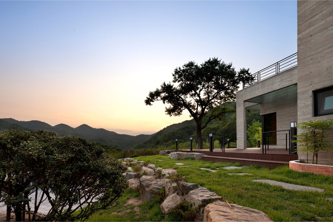 House of San-jo in Gwangju, South Korea by studio_GAON (Photo: Youngchae Park)