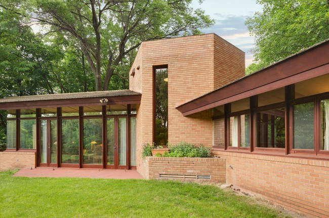 A 1960 Frank Lloyd Wright Home Near Minneapolis Is Now For