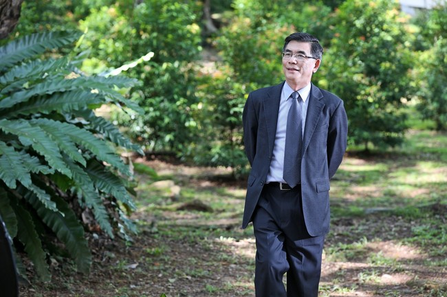 The new dean of the School of Design and Environment, National University of Singapore, Professor Lam Khee Poh is also a teaching veteran at Carnegie Mellon University. (Image: SDE, via eco-business.com)