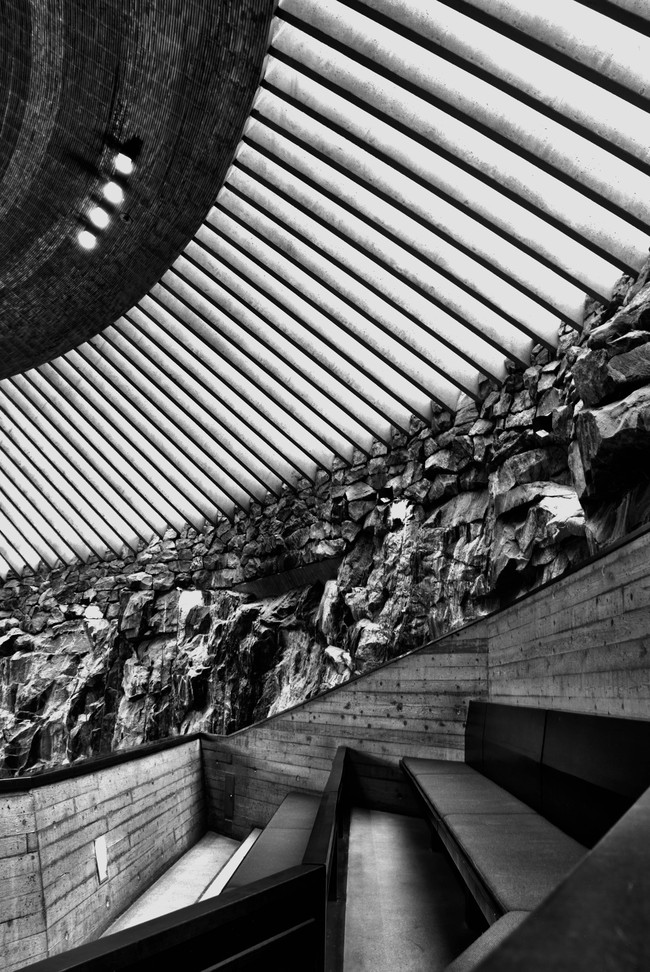 Inside Temppeliaukio, light details