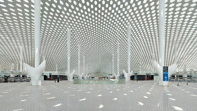 Shenzhen Bao'an International Airport - Terminal 3. Interior panoramic view. Image © Studio Fuksas