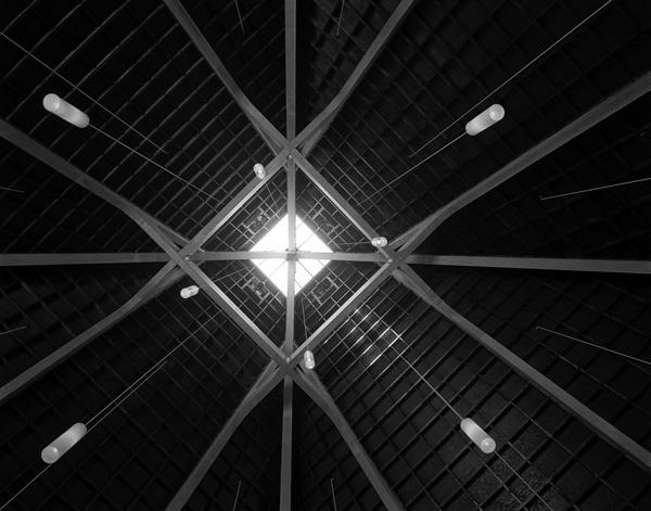 An interior shot of A. Quincy Jones' Congregational Church in Northridge, CA. Credit: Wayne Thom/WUHO Gallery