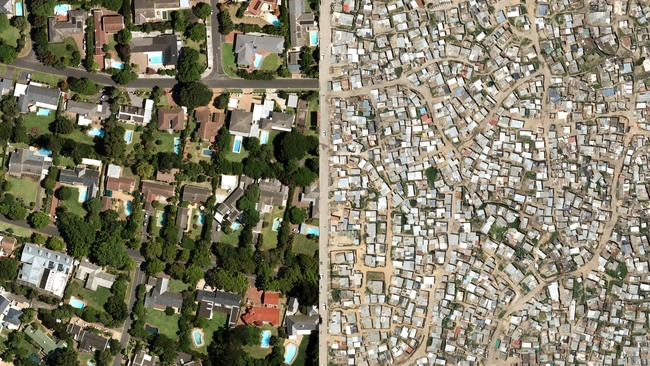 Housing inequality in Cape Town. Image via waronwant.org.