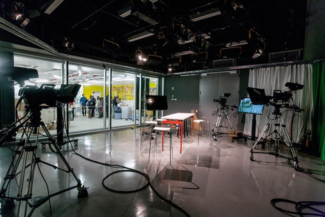 BRIC House TV studio. Photo by Jenna Salvagin, courtesy of LEESER.