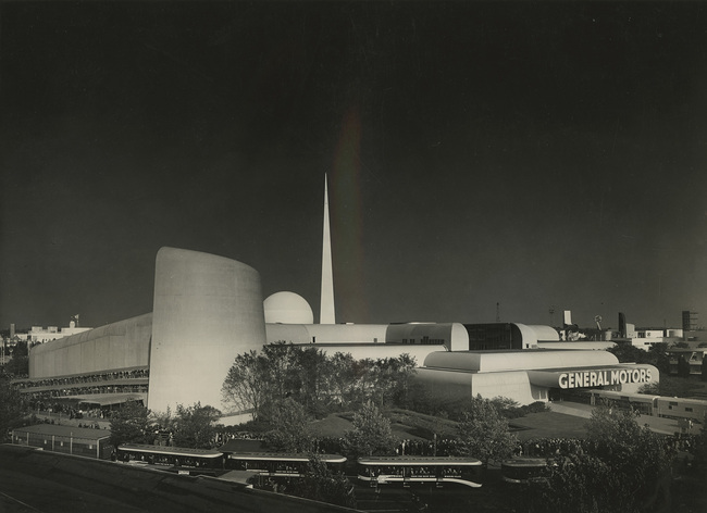 Richard Garrison, GM Highways and Horizons building with obelisk, ca. 1939. Image courtesy of the Edith Lutyens and Norman Bel Geddes Foundation / Harry Ransom Center