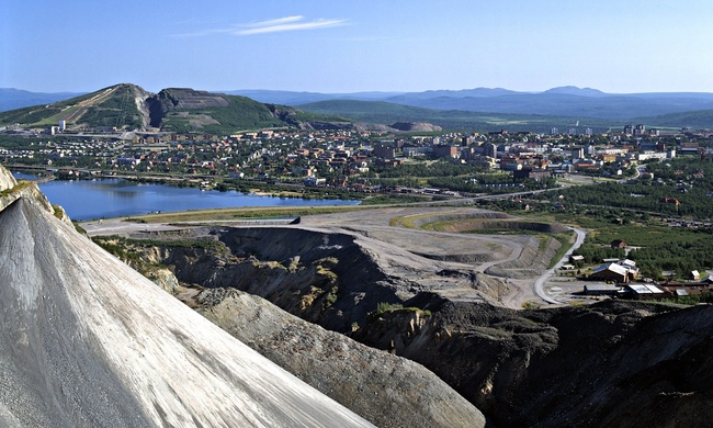 The Swedish city of Kiruna as seen from its mine. Photo credit: Nordicphotos/Alamy, via theguardian.com