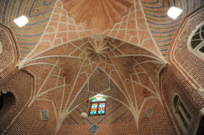 Rehabilitation of Tabriz Bazaar: Detail of brick vaults. Photo: AKAA / Amir Anoushfar