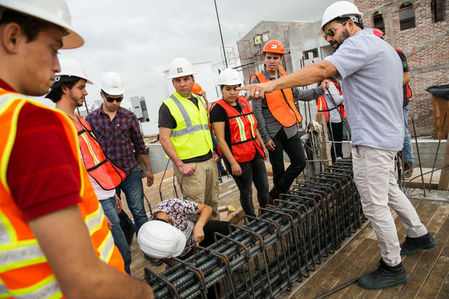 Image via latimes.com (Marcus Yam / Los Angeles Times)