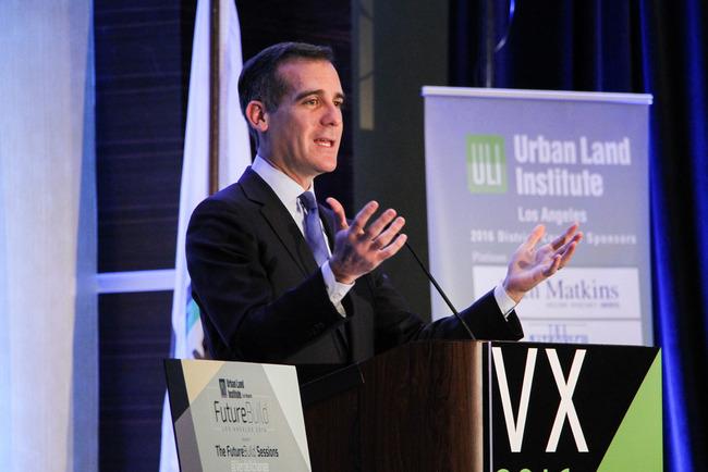 LA Mayor Eric Garcetti, speaking at VerdeXchange in Janjary. Image via jsprla.com